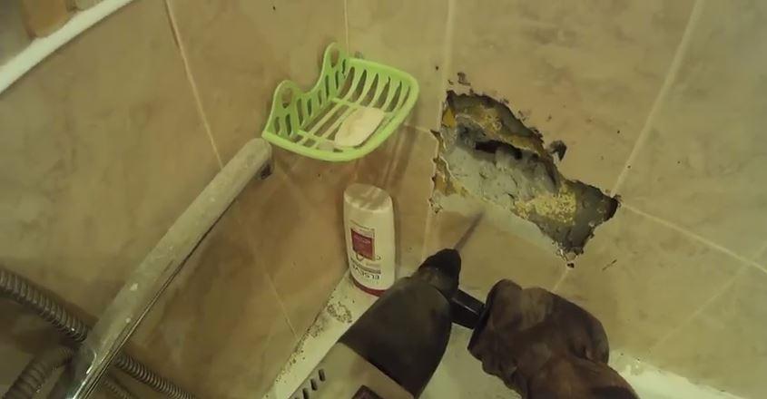 """""""В 2 часа ночи мы били стены перфоратором – пока это чудо не выпало прямо в ванну!"""" Ночное происшествие, объединившее всех)"""