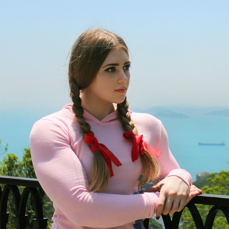 Девушка с лицом Барби и телом Халка. Невероятное сочетание красоты и силы!
