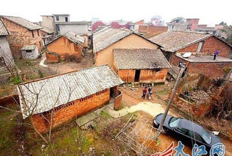 Миллионер приказал снести все дома в его родной деревне…Жители не понимали за что, а потом…