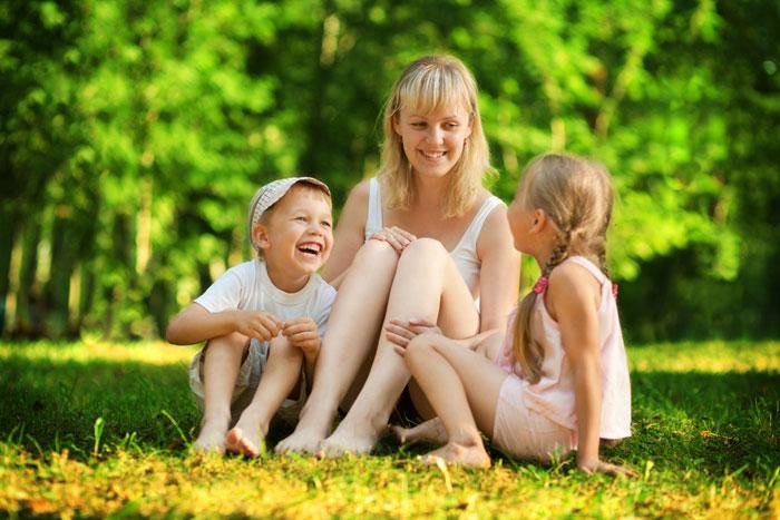 У моей свекрови трое детей. Старший из них мой муж Яша