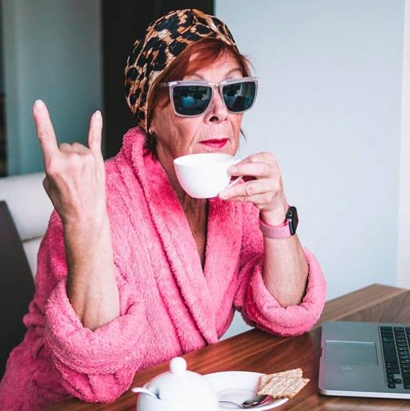66-летняя бабушка стала звездой Инстаграма. Когда на хайпе с 1952 года!