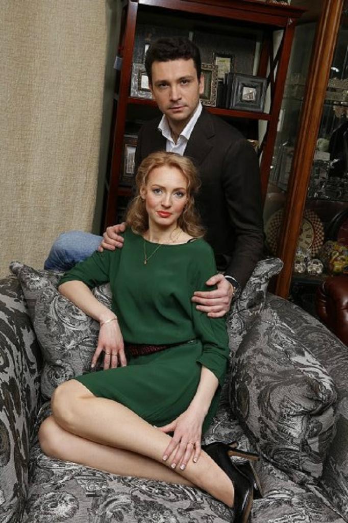 Как выглядят жены наших самых красивых актеров: 10 фото