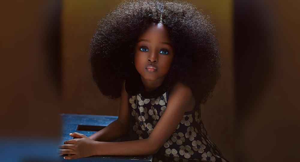 В 5 лет девочка из Нигерии была признана самой красивой в мире. Как она выглядит сейчас