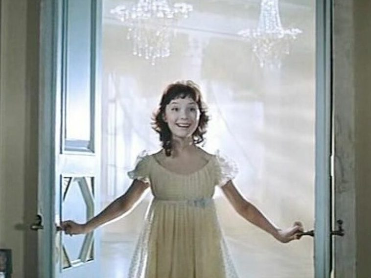 12 советских актрис, которые мастерски сыграли школьниц в кино