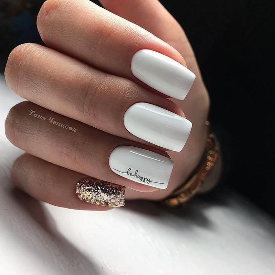 Подборка нежного маникюра с белым цветом. Легкость и простота