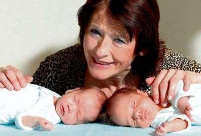 Позднее материнство: стоит ли так рисковать? Самая старая мать оставила близнецов сиротами в 3 года