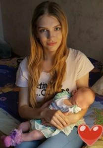 Молодая мама стала популярна в Сети, все благодаря упорству и смелости