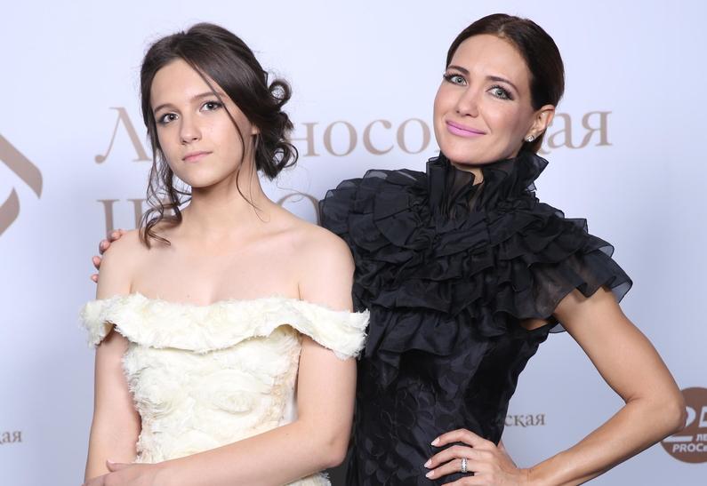 Как две капли: Екатерина Климова показала свою 17-летнюю дочь