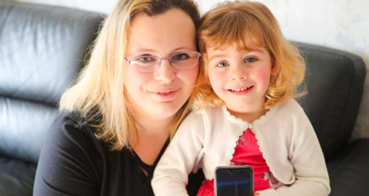 Двухлетняя малышка спасла свою маму