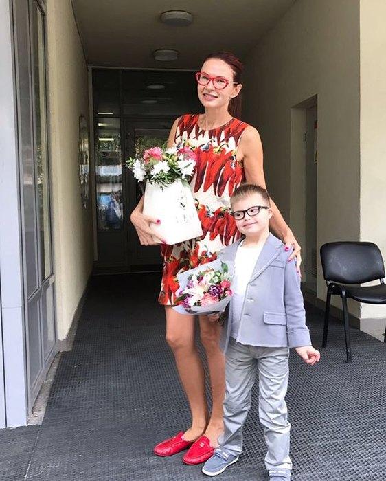 Как растет и развивается 7-летний сын Эвелины Бледанс, у которого диагностировали синдром Дауна