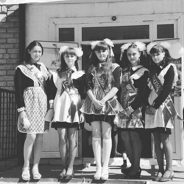 Только посмотрите какими красивыми были выпускницы 70-х — 80-х годов!
