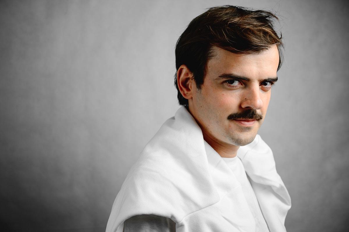 Антон Лапенко пришел на шоу к Урганту со всеми своими персонажами, а его интервью растопило сердца многих зрителей