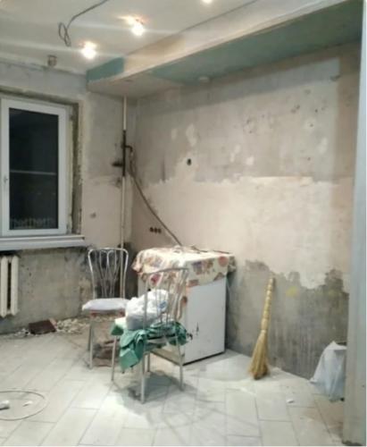 Мужчина использовал ламинат для отделки стен и получилось шикарно!