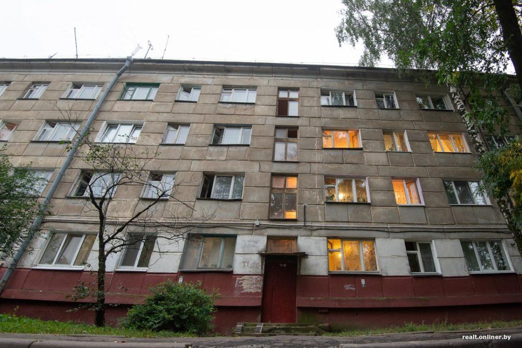 Парень превратил 11-метровую комнату в коммуналке в полноценную квартиру