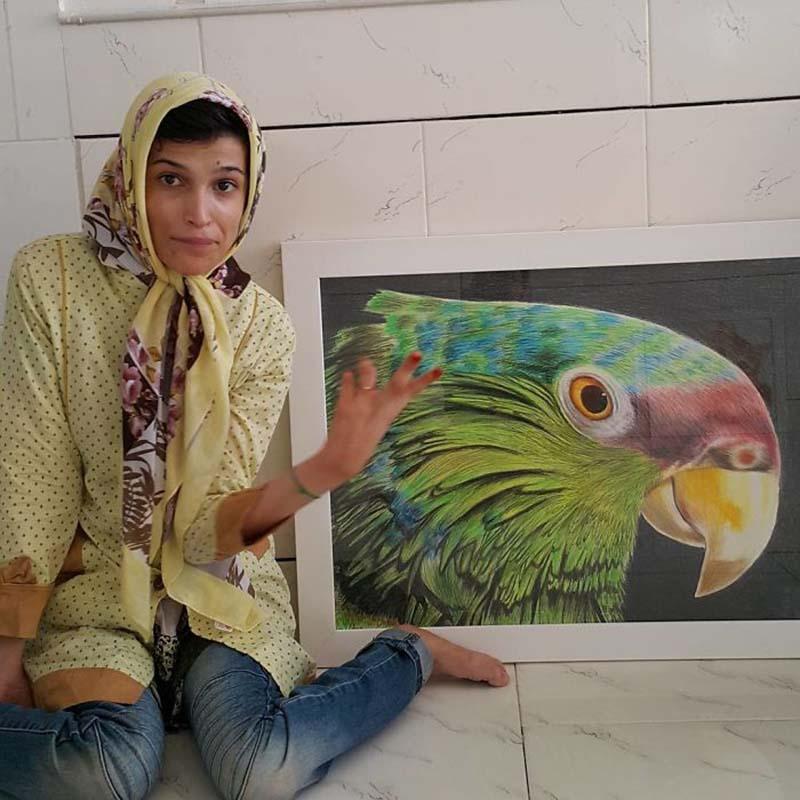 Иранская художница с ограниченными возможностями рисует удивительные портреты… ногами