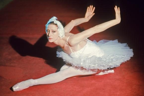 Очень красивый и завораживающий танец великолепной Майи Плисецкой