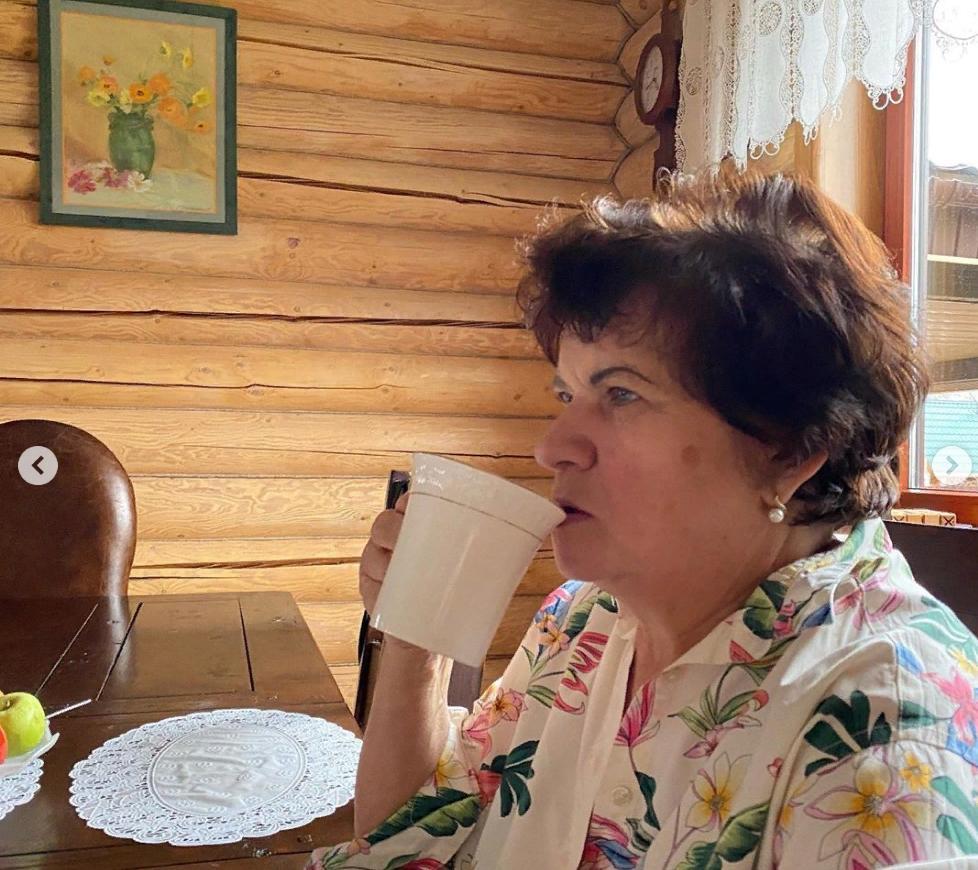 Ирина Пегова показала поклонникам свою маму и бабушку — чудесная семья