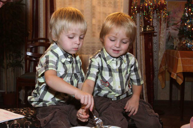 Близнецы из сериала «Воронины», куда пропали и сколько сейчас лет мальчишкам
