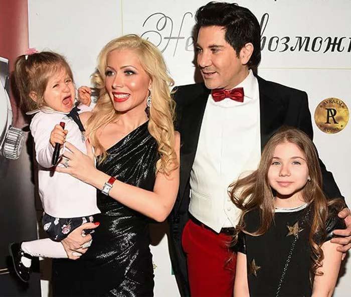 Авраам Руссо: чем сейчас занимается артист, красавица жена и две дочери