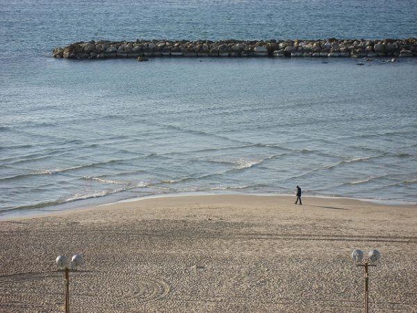 Удивительное природное явление на море. Чем опасны такие «квадраты»?