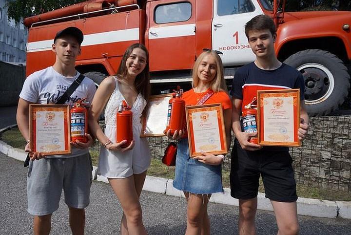Десятиклассники спасли целый поселок от пожара. Поколение героев!