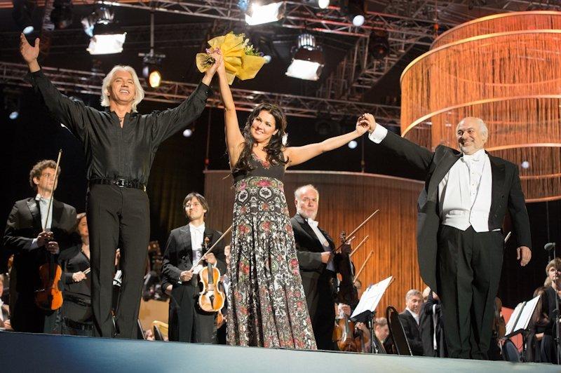 Больше 9 миллионов просмотров: дует Хворостовского и Нетребко «Подмосковные вечера»