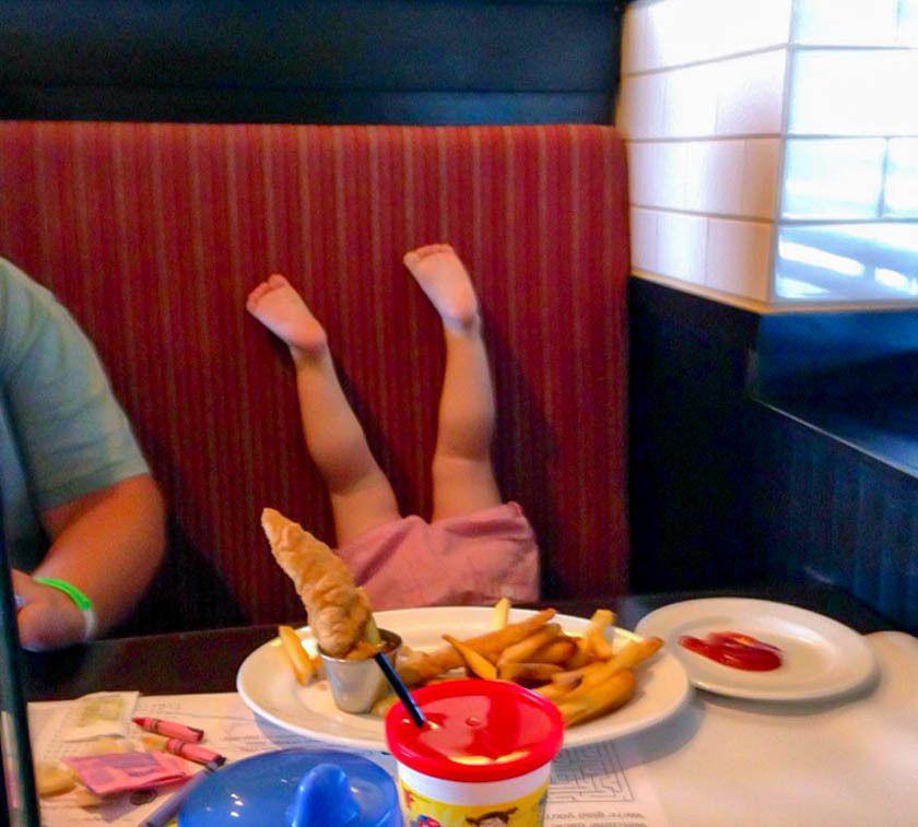 15 малышей — трюкачей, которые решили нарушить все законы физики