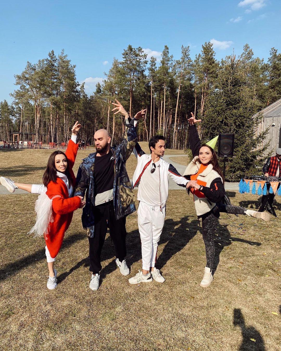 Осадчая, Кухар, Яма, Санина и другие повеселились на дне рождения MONATIK'а