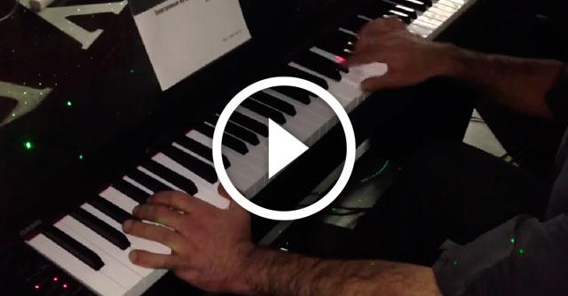 Пианист играет 23 ноты в секунду это надо видеть