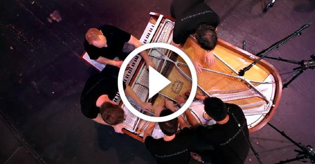 Игра на пианино в 10 рук