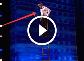 номер с лестницей