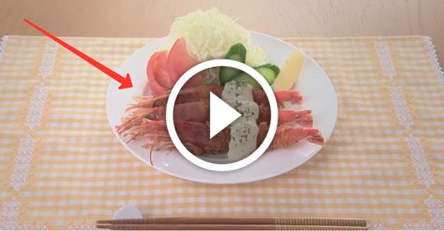японцы готовят креветки