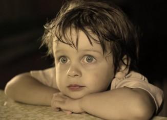 10 неправильных фраз в детском воспитании