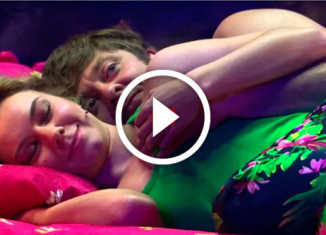муж и жена в одной кровати
