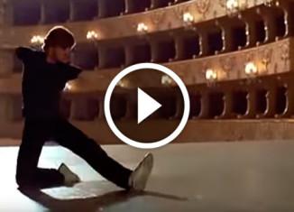 Барышников танцует под песню Высоцкого