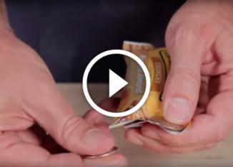 Открыть упаковку с помощью монеток