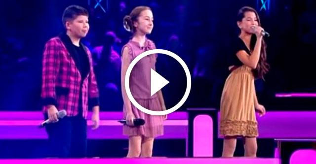 Дети поют под небом Парижа