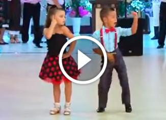 Детский танцевальный дует