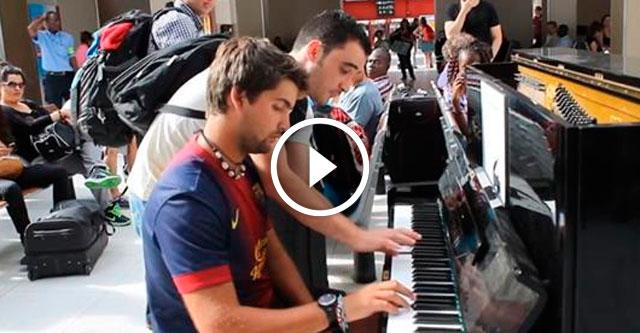 Импровизация незнакомцев на вокзале
