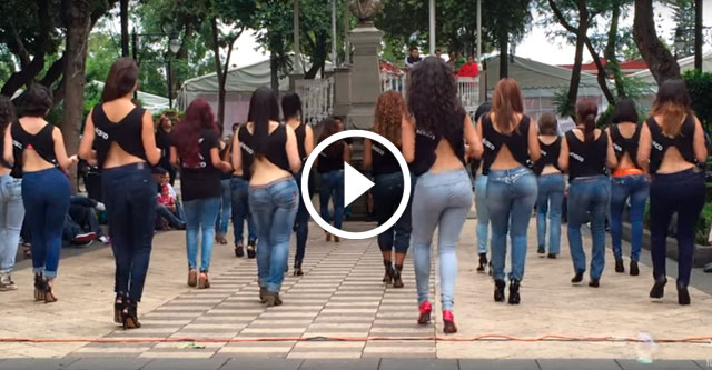 Девушки танцуют танец кизомба