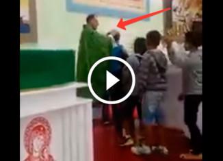 Святой отец и дети