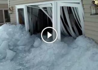 Ледовое цунами