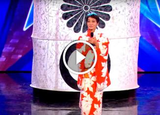 70-летняя японка танцует на шесте