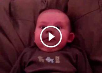 Реакция малыша на храп отца