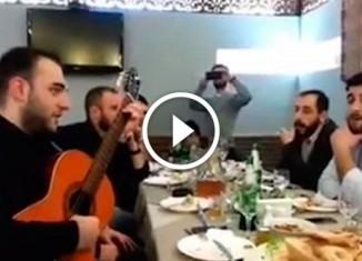 Грузины поют «Эх, дороги»