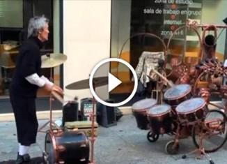 Музыкант-жонглёр