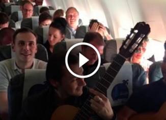Музыканты в самолете