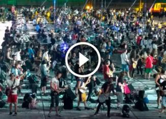 1200 музыкантов играют Нирвану